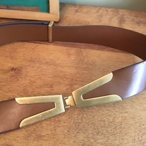 Accessories - Adjustable leather and metal belt